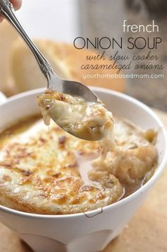 So easy and delicious! French Onion Soup with Slow Cooker Caramelized Onions - your homebased mom