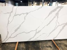 Best Nouveau Calacatta From Arizona Tile Quartz Surfaces Are 640 x 480