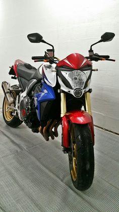 Yamaha Bikes, Motorcycles, Cb 1000, Honda Cb, Download, Motorcycle Gear, Iphone, Wallpaper, Street Bikes