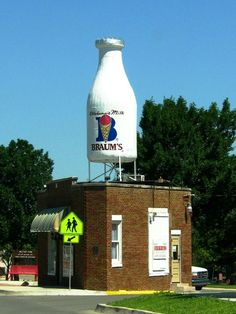 Does your capital city have a gigantic milk bottle? | 45 Best Things About Living In Oklahoma
