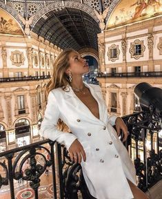 Source by mariesthlr outfits Rome Outfits, Italy Outfits, Fashion Outfits, Womens Fashion, Classy Aesthetic, Mode Inspiration, Mode Style, Classy Outfits, Photography Poses