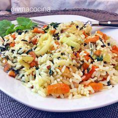 Este arroz salteado vegano resulta ligero y delicioso, siempre suelto, y puedes prepararlo con verduras a tu gusto.