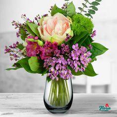 Parfum Regal Glass Vase, Table Decorations, Furniture, Home Decor, Shelf, Homemade Home Decor, Home Furnishings, Decoration Home, Arredamento