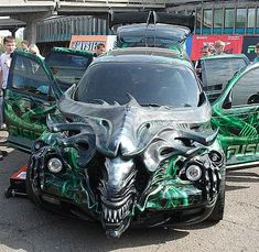 Cars with Faces (23 Photos). View full gallery - http://www.officiallyfun.com/2014/03/cars-with-faces-23-photos/ funny