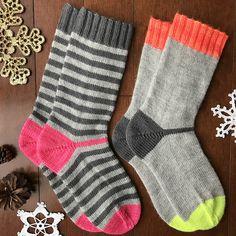 Ravelry: Boomerang Socks pattern by Shelly Wenger - Herzlich willkommen Knitting Socks, Baby Knitting, Knitting Stitches, Knitting Patterns, Ravelry, My Socks, Striped Socks, Knit Picks, Stockinette
