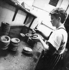 Lediard's pie and mash shop, opened c. 1912 at 38 West Ham Lane, Plaistow Old London, East London, Jellied Eels, Pie And Mash, West Ham, British History, Edwardian Era, Victorian, Childhood Memories