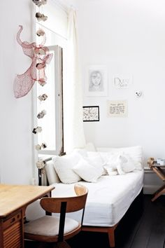 The light-and-heat-pa-Mariatorget.-bedroom