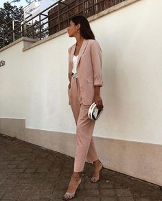 55 amazing outfits office a style simple, beauty and travel 2019 page 42 Sporty Outfits, Urban Outfits, Mode Outfits, Classy Outfits, Trendy Outfits, Classy Wear, Formal Outfits, Pink Outfits, Business Casual Outfits