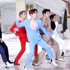 "Nobody thought these boys on ""How to keep it Halal"" Kpop Exo, Park Chanyeol Exo, Baekhyun Chanyeol, Exo Kai, Chanbaek, Baekyeol, K Pop, Kim Minseok, Kim Junmyeon"