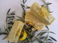 Χειροποίητα σαπούνια-Κεραλοιφές                                            Λαοδάμεια: σαπούνι λεμόνι-βρώμη