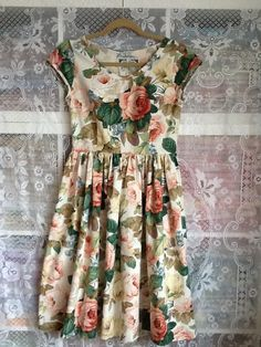 """Made from traditional Sanderson fabric, 'Chelsea' design. Fitted bodice, side concealed zip and full skirt. I have more of this fabric if you would like to place a custom order.....Size 10Bust 36""""Waist 29""""Length 25"""""""