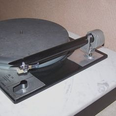 Pickering MM cartridges have an underground following amongst some modern audio enthusiasts. This English Goldring –Lenco is one example. Turntable, Drill, Audio, English, Plates, The Originals, Modern, Licence Plates, Hole Punch