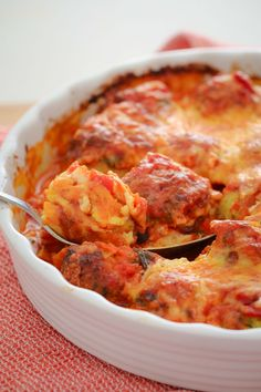 These Oven Baked Chicken Parma Balls with an Italian tomato sauce and melted cheese are a family favourite! Kid-friendly, easy and delicious! These Oven Baked Chicken Parma Balls are on high rotation in our house. Healthy Cooking, Cooking Recipes, Healthy Recipes, Cooking Ribs, Cheap Recipes, Cooking Turkey, Fast Recipes, Dip Recipes, Crockpot Recipes