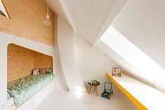Best Interior Design Posts of 2017 (Design Milk) Cool Beds For Kids, Custom Bunk Beds, Minimalist Kids, Minimalist Interior, Minimalist Bedroom, Bunk Bed Designs, House Beds, Best Interior Design, Kid Beds