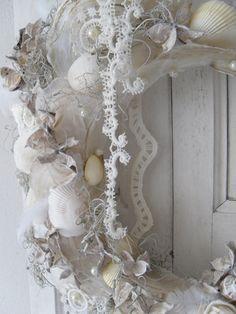 schelpen krans in white