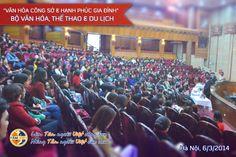 """Sáng ngày 6/3/2014 tại Nhà hát Kim Mã, Ts. Phan Quốc Việt - Người sáng lập, CT HĐQT Tâm Việt đã có buổi giao lưu về chủ đề """"Văn hóa giao tiếp công sở & hạnh phúc gia đình"""" với hơn 500 cán bộ, nhân viên của Bộ Văn hóa, Thể thao & Du lịch."""