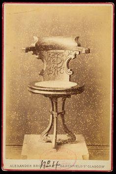 Adquisicions MMB 2016. Cadira. Mobiliari de la Compañía Trasatlántica Española. Foto: Alexandre Bros (Glasgow) ca. 1910.  Donació: M. Brull Gonzalez. MMB 72676F