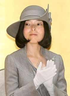 Princess Akiko of Mikasa attendedthe 13th annual People's Self-Defense Officials Awards today in Tokyo to honor distinguished service in the Self-Defence Forces of Japan. For this event, she wore ...