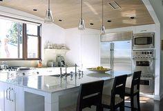 Decoração de cozinha moderna com ilha multifuncional | Eu Decoro