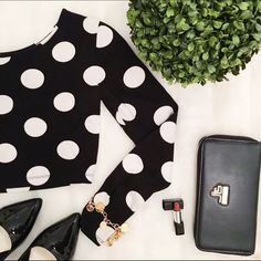 Black & white polka dot crop top 96% cotton 4% spandex. Perfect polka dot crop top. Long sleeve and round neckline Forever 21 Tops Crop Tops
