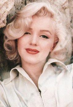 Смотреть в hd качестве monroe blonde angel