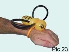 Balloon-O-Therapy Twisting Balloons with FewDoIt: Bee Bracelet Balloon Animal Instruction