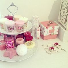 love using the cupcake stand for bathroom goodies... #feminine #girly