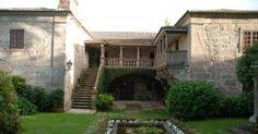Fachada principal del pazo de Vilarés, en la parroquia gondomareña de Vilaza.