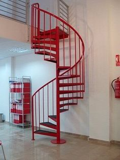 Google and b squeda on pinterest for Como hacer una escalera caracol metalica