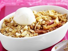 Enjoy this family favourite with a big scoop of melting vanilla ice-cream. Pear And Apple Crumble, Apple Pear, Rhubarb Crumble, Ricotta Stuffed Chicken, Sweet Potato Pizza, Muesli Bars, Mushroom Burger, Poached Pears, Crumble Recipe