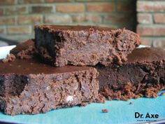 Black Bean Brownies Recipe by @draxe