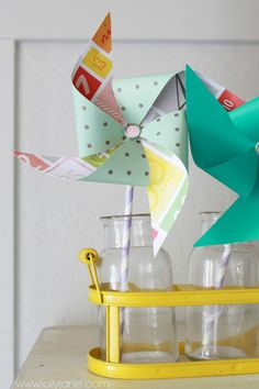 Summer decor paper pinwheel tutorial.