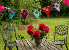 Felt bunting -p Felt Bunting, Bunting Garland, Bunting Ideas, Sewing Projects, Craft Projects, Projects To Try, Felt Projects, Craft Ideas, Felt Crafts