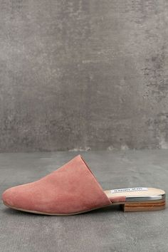 176895d8d9e7 The Steve Madden Snapp Rose Suede Leather Mules are here and we HAVE to  have them! Rose pink suede leather covers the almond toe upper