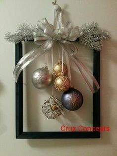 60 DIY Picture Frame Christmas Wreath Ideas that totally fits your Budget - Hike. 60 DIY Picture Frame Christmas Wreath Ideas that totally fits your Budget - Hike n Dip Christmas Frames, Noel Christmas, Rustic Christmas, Simple Christmas, Christmas Wreaths, Christmas Ornaments, Handmade Christmas, Elegant Christmas Decor, Christmas Front Doors