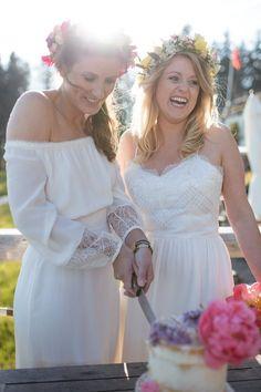Ein gleichgeschlechtliches Styled Shooting mit Hippie-Bus Bridesmaid Dresses, Wedding Dresses, Boho, Real Weddings, Style, Fashion, Nice Asses, Bridesmade Dresses, Bride Dresses
