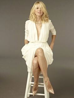 Naomi Watts showing off her hot legs in heels Naomi Watts, Gorgeous Women, Beautiful People, Beauté Blonde, Actrices Sexy, Look Fashion, Womens Fashion, Fashion Trends, Famous Women