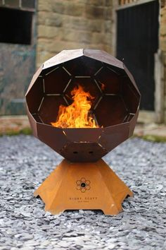 Digby Scott Designs - Store Front for unique geometrically designed fire pits and barbecues. Product details and galleries. Fire Pit And Barbecue, Barbecue Grill, Welding Projects, Diy Projects, Metal Fire Pit, Fire Ring, Fire Pit Designs, Metal Art, Metal Working