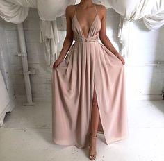 vestido-longo-decotado-nude-rosado-blush-tendencia -cores-2016
