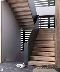 75 Luxury Photography Of Railing Of Stairs - 75 Luxury Phot The Effective Pictures We Offer You About building Stairs A quality picture can tel Stairs Treads And Risers, Staircase Railings, Staircase Design, Stairways, Steel Stairs Design, Concrete Stairs, Wood Stairs, House Stairs, Escalier Design