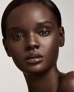 Create your best look with chic Fenty Beauty products by Rihanna - 40+ shades of foundation for all women's skin tones from around the globe. Fenty Beauty 2017