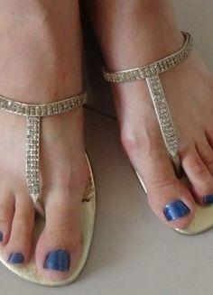 Kup mój przedmiot na #vintedpl http://www.vinted.pl/damskie-obuwie/japonki/15905708-klapki-japonki-zlote-z-cyrkoniami-r-40