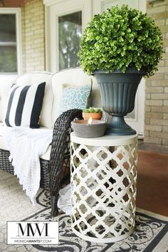 How to Makeover Your Patio for Spring - Monica Wants It This post features patio decor ideas that are affordable, beautiful and perfect for spring and summer. This backyard patio makeover looks amazing! Back Patio, Small Patio, Backyard Patio, Backyard Ideas, Porch Ideas, Front Patio Ideas, Flagstone Patio, Small Yards, Modern Backyard