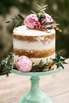 wedding cakes nakedcake One Tier Naked Wedding Cake topper with Pink Peonies Wedding Cake Rustic, Elegant Wedding Cakes, Rustic Cake, Cake Wedding, Wedding Cakes One Tier, Wedding Cakes With Cupcakes, Wedding Cake Toppers, Cupcake Cakes, Food Cakes