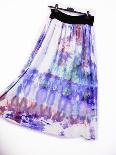 Batikovaná+sukně+-+Water+fall+Krásná+efektní+batikovaná+sukně+-+pudrová+batika-+elastický+pružný+pas+(lze+dát+na+boky).+Originální+kreativní+výrobek.+Jeden+kus.+Vlastní+batika+-+jemné+pudrové+barvy,ruční+práce+,+profesionálně+ustálená.+Materiál+-bavlna,+elastanúplet+-+neprůhledné+,+lehké+a+elastický+pas+-+BA+EA,+mírně+pružný+Šíře+lemu+v+pase...