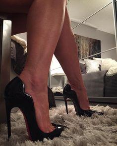 Sexy Legs And Heels, Hot Heels, High Heels Stilettos, Stiletto Heels, Nylons Heels, Christian Louboutin Red Bottoms, Christian Louboutin So Kate, Talons Sexy, Red Bottom Heels