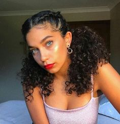 - 💖Tutorial coming soon 💖 - Just came back from watching Bruno Mars. WOW 😫 So much talent I'm taken back. Who is keen to see how I… curly hair styles Curly Hair Styles, Cute Curly Hairstyles, Baddie Hairstyles, Braids For Curly Hair, Curly Haircuts, Halloween Hairstyles, Braided Hairstyles, Hairstyle Short, School Hairstyles