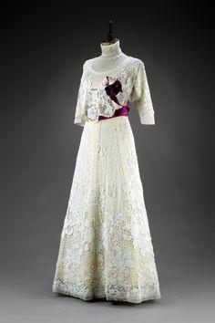 • Dress. Place of origin: Vienna Date: 1905 Medium: Silk