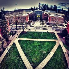 Took a trip down to see University of Oregon, in Eugene, OR. Parts of the movie Animal House was filmed here; and this campus is also a part of the National Student Exchange Program.