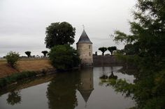 Accueil_CSS_2 - Le Petit Randonneur Cap D Antibes, Rhone, River, Outdoor, 150 Lbs, Cute Small Houses, Outdoors, Outdoor Games